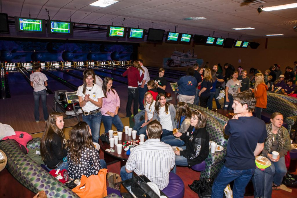 Bowling evening event with 4-Hers attending the national 4-H poultry and egg conference